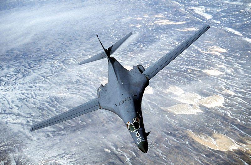 B-1B bomber aircraft