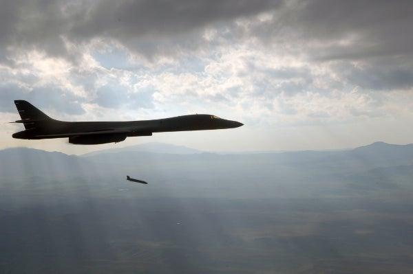 B-1 Lancer_JASSM-ER missile